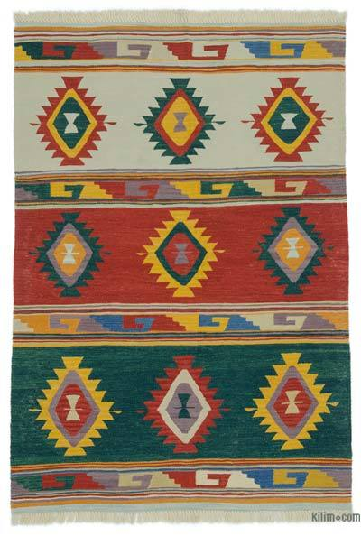 "New Handwoven Turkish Kilim Rug - 4' x 5'10"" (48 in. x 70 in.)"