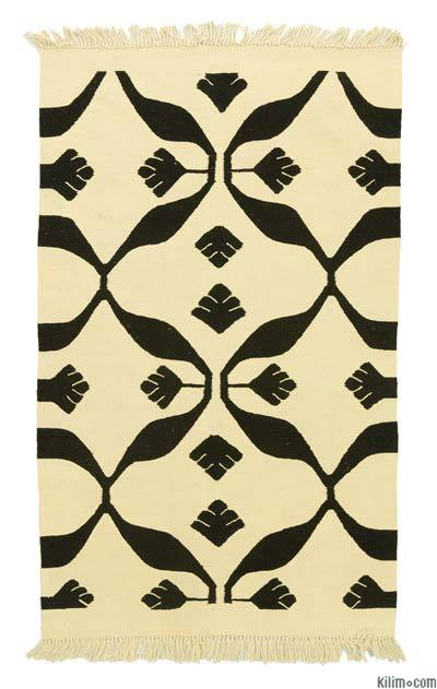 """New Handwoven Turkish Kilim Rug - 3'1"""" x 5' (37 in. x 60 in.)"""