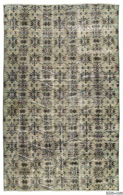 """Turkish Vintage Area Rug - 4'11"""" x 8' (59 in. x 96 in.)"""