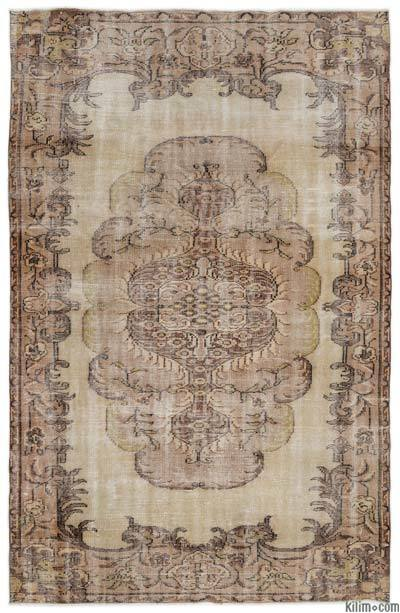 """Turkish Vintage Area Rug - 5'6"""" x 8'5"""" (66 in. x 101 in.)"""