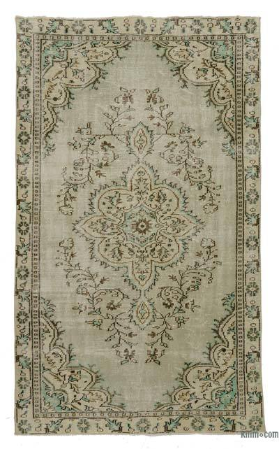 """Turkish Vintage Area Rug - 5' 2"""" x 9' 1"""" (62 in. x 109 in.)"""