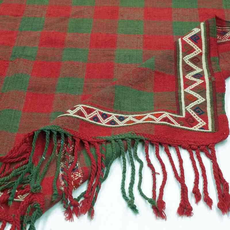"Red, Green Vintage Caucasian Verneh Rug - 5' 5"" x 8' 11"" (65 in. x 107 in.) - K0020848"