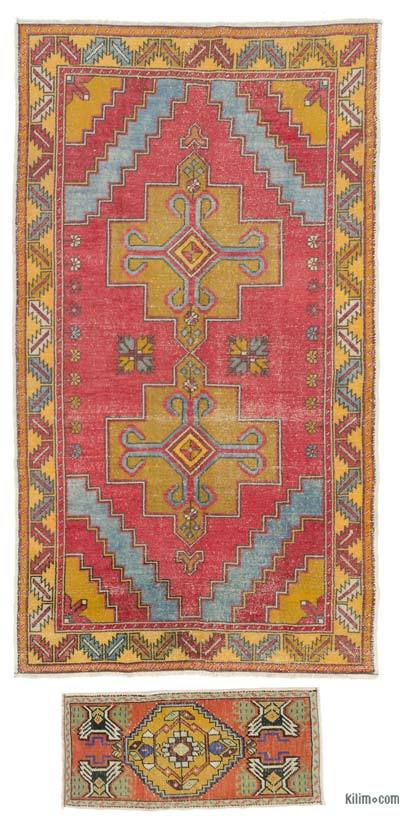 """Turkish Vintage Area Rug - 4'8"""" x 8'6"""" (56 in. x 102 in.)"""