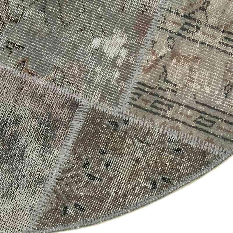 "Grey Round Patchwork Hand-Knotted Turkish Rug - 5' 1"" x 5' 1"" (61 in. x 61 in.) - K0039455"