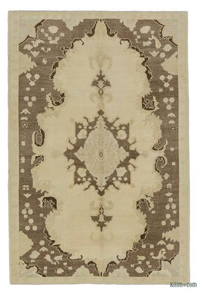 "All Wool Hand Knotted Vintage Area Rug - 5' 1"" x 7' 9"" (61 in. x 93 in.)"