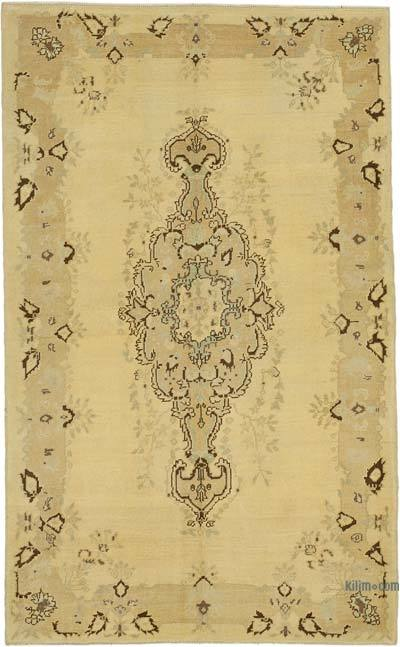 "All Wool Hand Knotted Vintage Area Rug - 5' 1"" x 8' 2"" (61 in. x 98 in.)"
