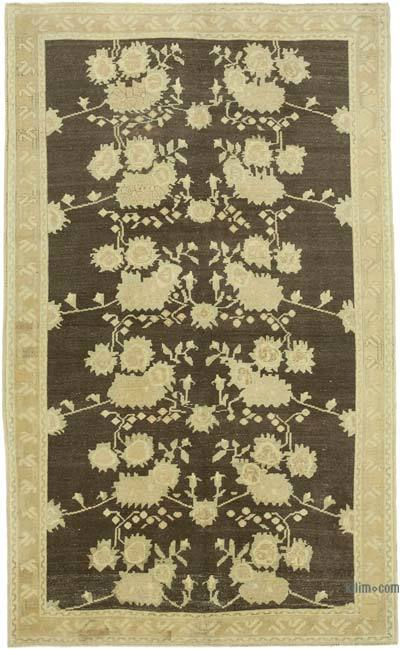 "All Wool Hand Knotted Vintage Area Rug - 4' 10"" x 8'  (58 in. x 96 in.)"