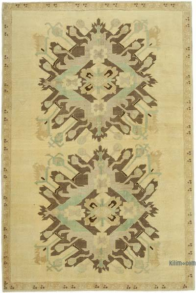 "All Wool Hand Knotted Vintage Area Rug - 4' 9"" x 7'  (57 in. x 84 in.)"