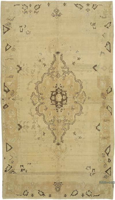 "All Wool Hand Knotted Vintage Area Rug - 4' 7"" x 8'  (55 in. x 96 in.)"