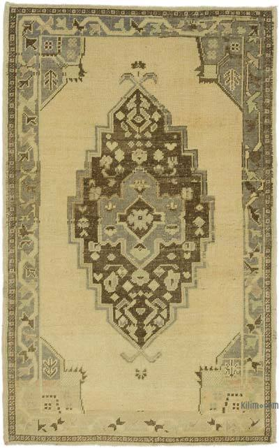 "All Wool Hand Knotted Vintage Area Rug - 3' 4"" x 5' 4"" (40 in. x 64 in.)"