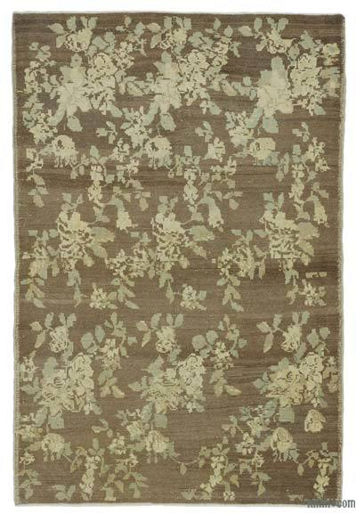 "All Wool Hand Knotted Vintage Area Rug - 4' 4"" x 6' 5"" (52 in. x 77 in.)"