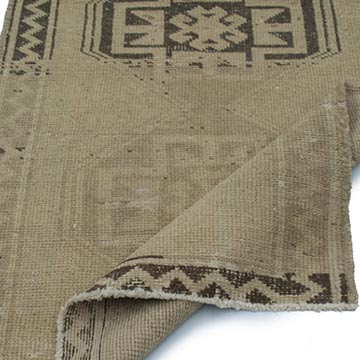 """Beige, Brown All Wool Hand-Knotted Vintage Turkish Rug - 2' 10"""" x 6' 3"""" (34 in. x 75 in.) - K0039939"""