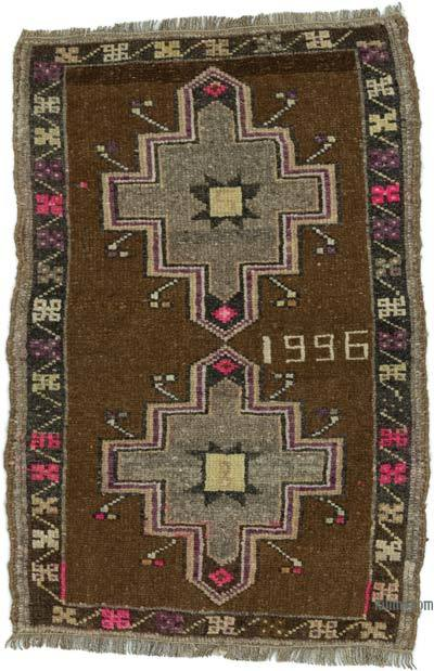 "Turkish Vintage Rug - 2' 9"" x 1' 11"" (33 in. x 23 in.)"