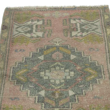 """Vintage Turkish Hand-Knotted Rug - 1' 7"""" x 3' 2"""" (19 in. x 38 in.) - K0052806"""