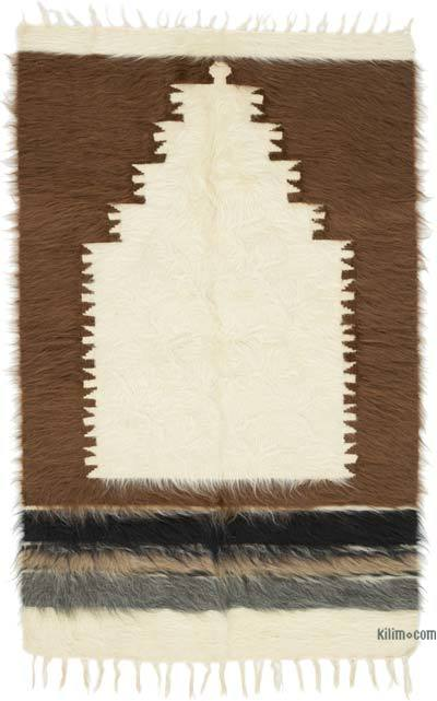 "Beige, Brown Vintage Siirt Rug - 4' 3"" x 2' 8"" (51 in. x 32 in.)"