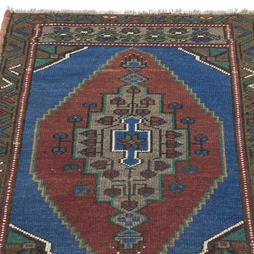 """Vintage Turkish Hand-Knotted Rug - 1' 10"""" x 2' 9"""" (22 in. x 33 in.) - K0054773"""