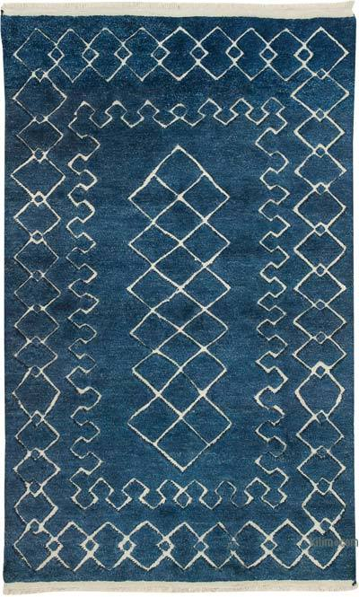 New Hand-Knotted Rug - 5'  x 8'  (60 in. x 96 in.)