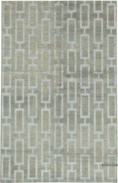 """New Hand-Knotted Rug - 6'  x 9' 4"""" (72 in. x 112 in.)"""